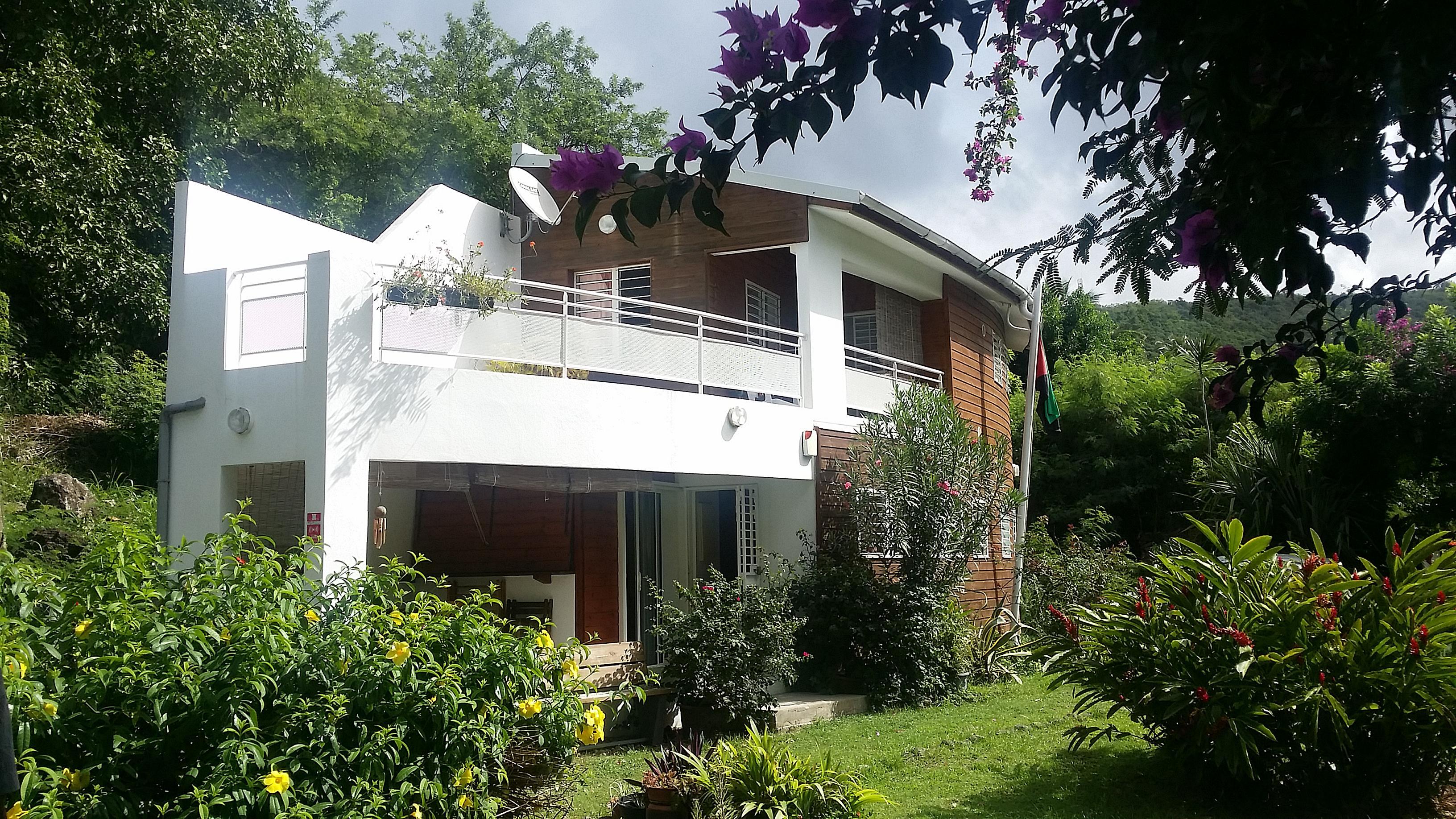 Bel Kay | Villa Tamarine